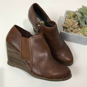 Dr. Scholl's | Primo wedge Ankle Booties in brown